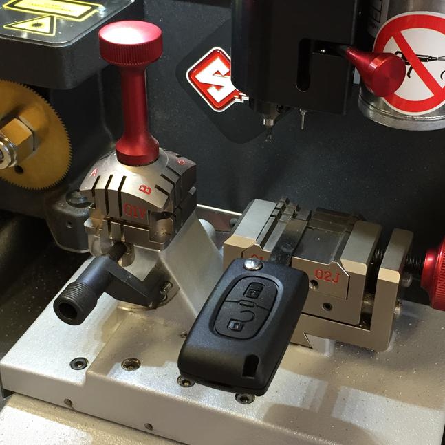 High Security Laser Car Keys Cut And Programmed